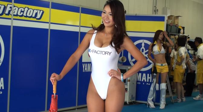 赛车美女。日本 Race Queen K-FACTORY 纯白競泳水着藏E奶 [7p]