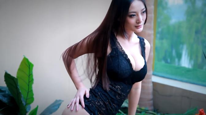 内衣美女 [45p]。王李丹妮 Daniella Wang 百年一遇巨乳美人 身材一流