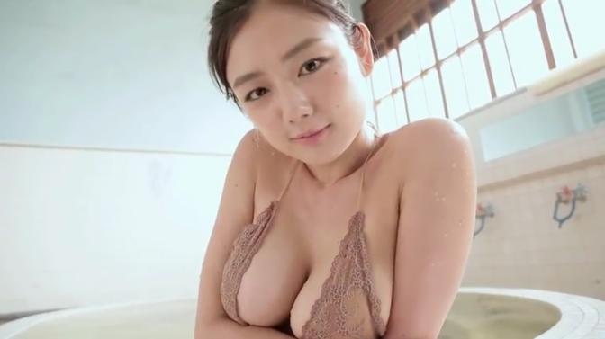 日本美女 [6p]。片山萌美 Moemi Katayama 纯洁の胴体 6/11 G奶上的水滴
